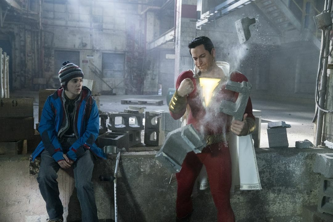 Jack Dylan Grazer y Zachary Levi en ¡Shazam!