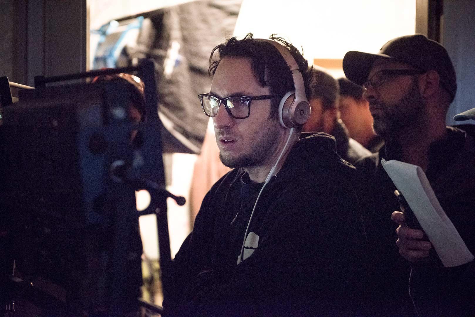 """El director David Yarovesky en el rodaje de la película """"El hijo""""."""