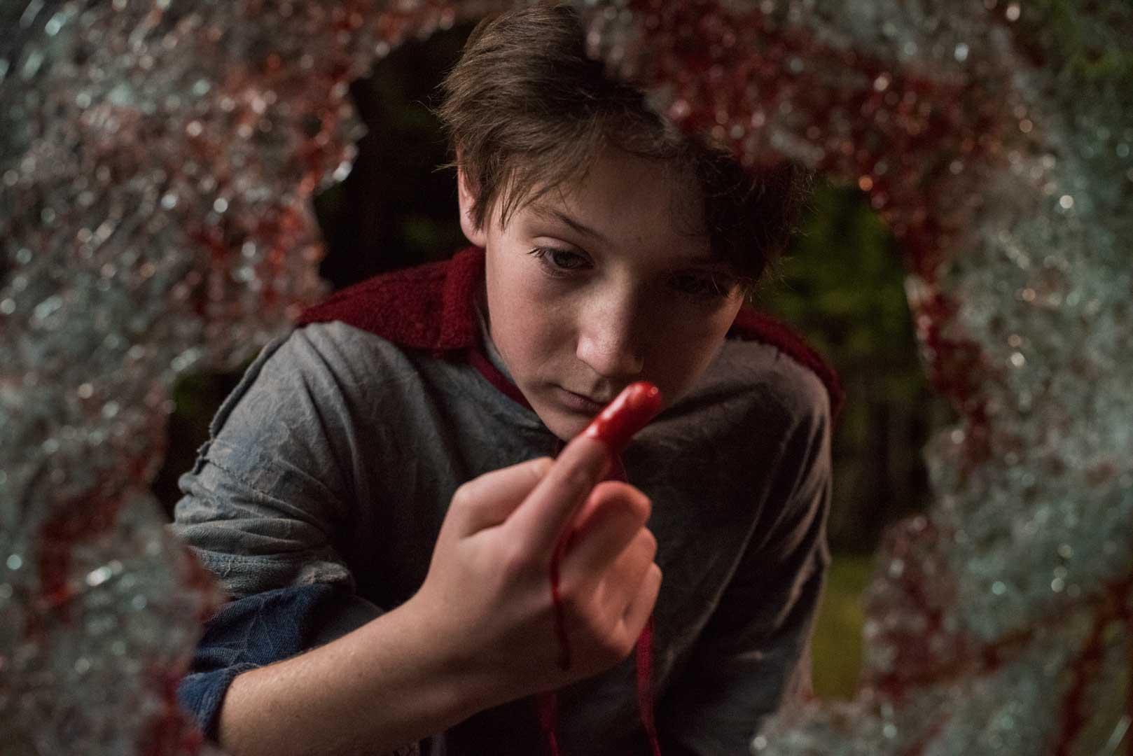 """El personaje Brandon Breyer (Jackson A. Dunn) en """"El hijo""""."""