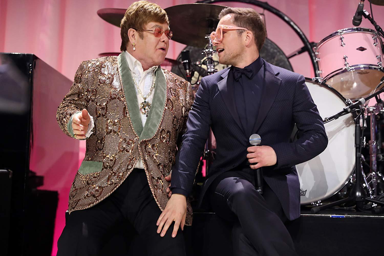 Elton John y Taron Egerton en el evento de la película
