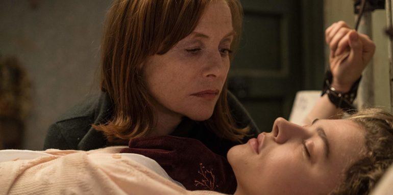 "Isabelle Huppert interpreta a Greta y Chloe Grace Moretz a Frances en La película ""La Viuda"""