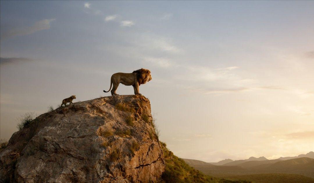 Mufasa y Simba en un fotograma del remake