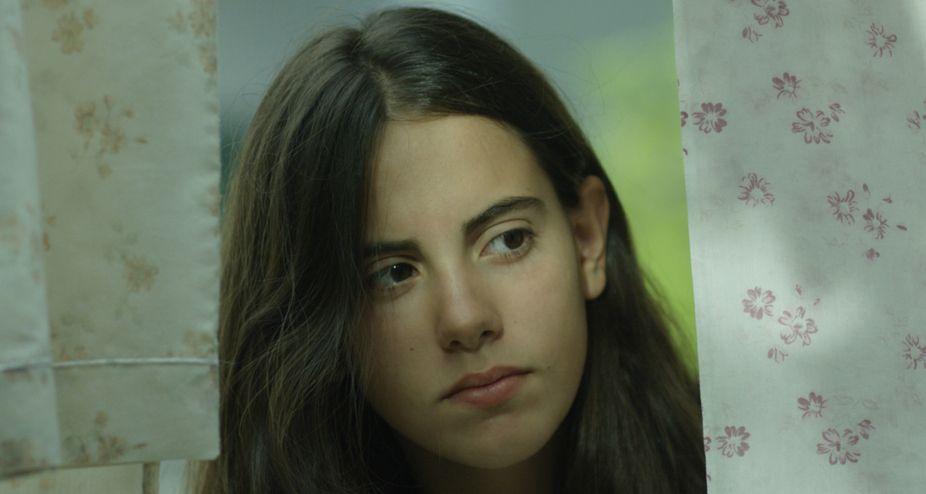 Julia Lallana en la película Ojos Negros (Película en Filmin - Entrevista a las directoras)