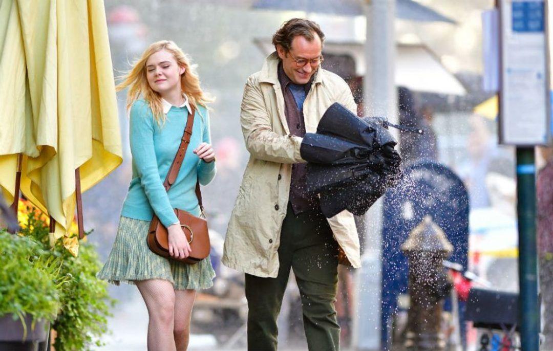Elle Fanning y Jude Law en Un día de lluvia en Nueva York