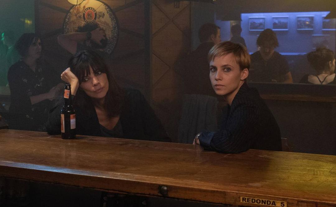 Aura Garrido y Maribel Verdú en la película