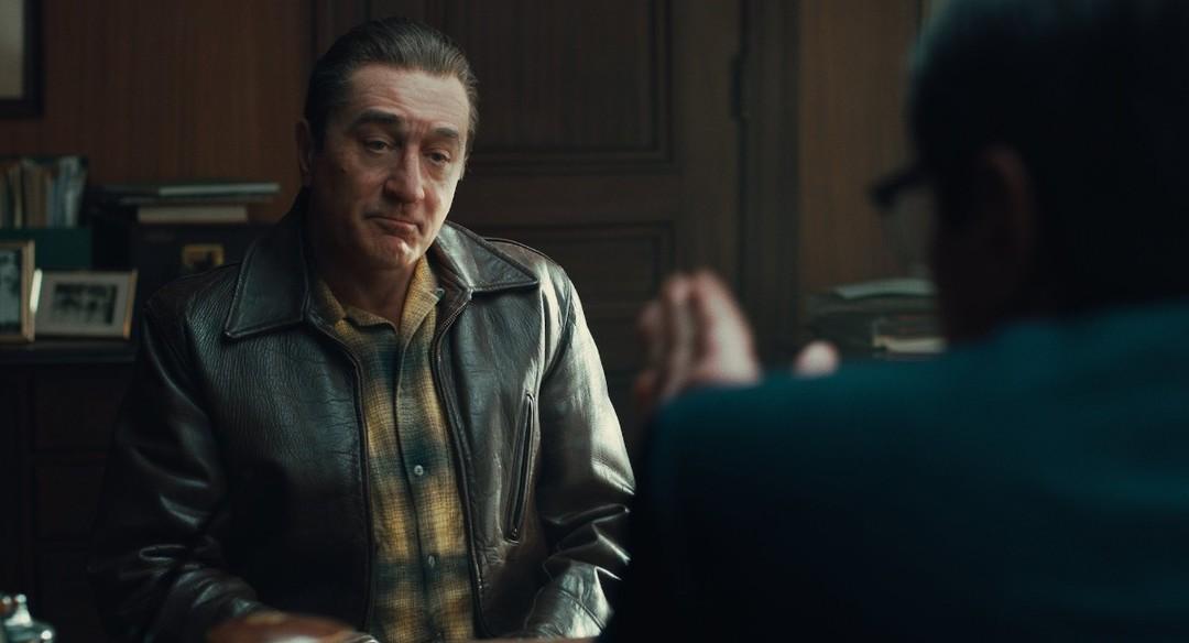 """Robert De Niro en una foto de """"El Irlandés"""" la película dirigida por Martin Scorsese (Opinión de la película)."""