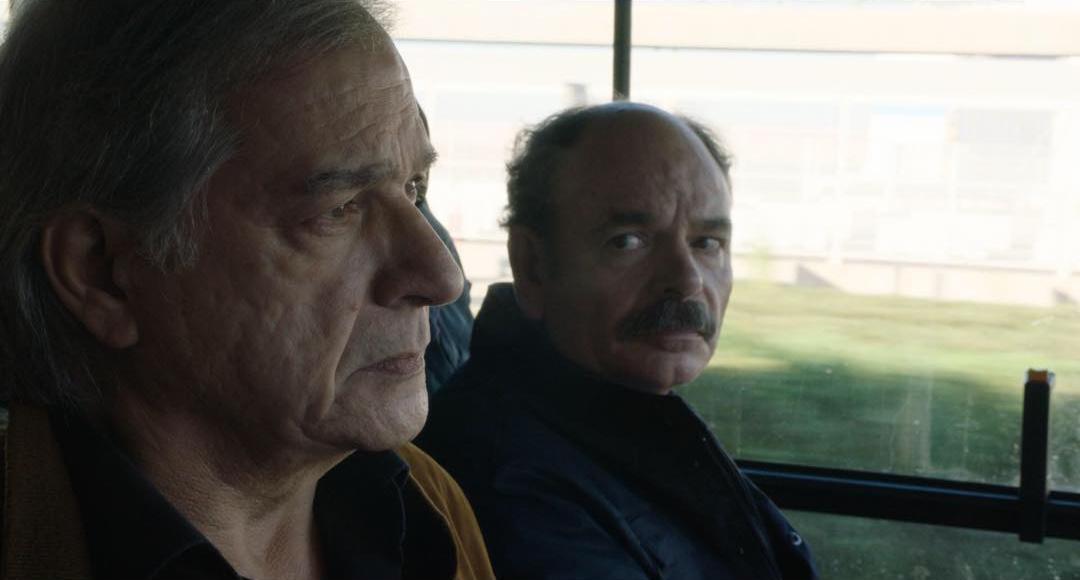 Gérard Meylan y Jean-Pierre Darroussin en una escena