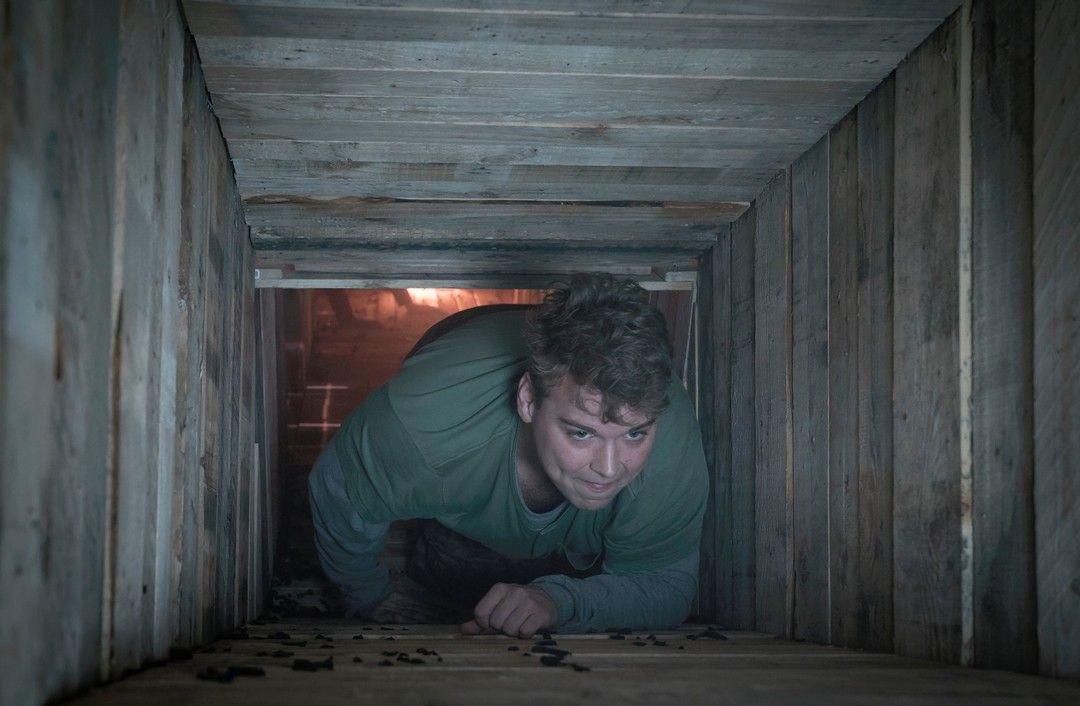 Andrew Caldwell en una escena de la película de terror