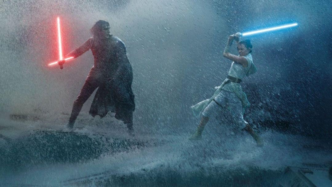 Adam Driver y Daisy Ridley en Star Wars 9