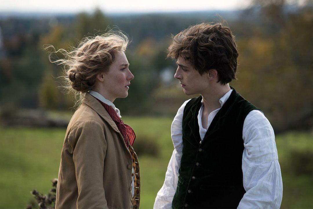 Saoirse Ronan y Timothée Chalamet en la película