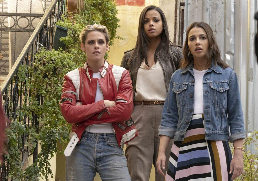 Ella Balinska, Kristen Stewart y Naomi Scott son los Ángeles 2019