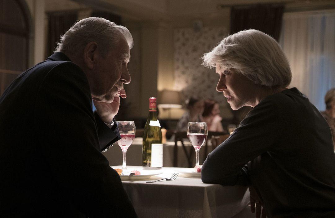 Ian McKellen y Helen Mirren en la película de suspense