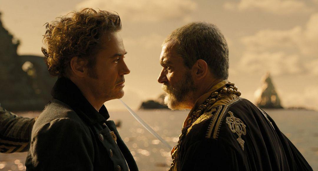 Robert Downey Jr. y Antonio Banderas en una escena de la película