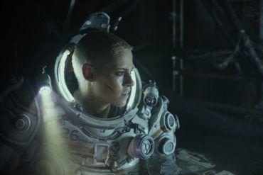 Kristen Stewart en la película Underwater (2020)