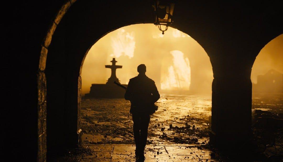 La ciudad iluminada por los bombardeos en 1917