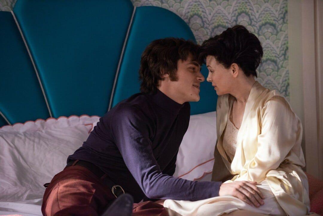 Finn Wittrock y Renée Zellweger en la película