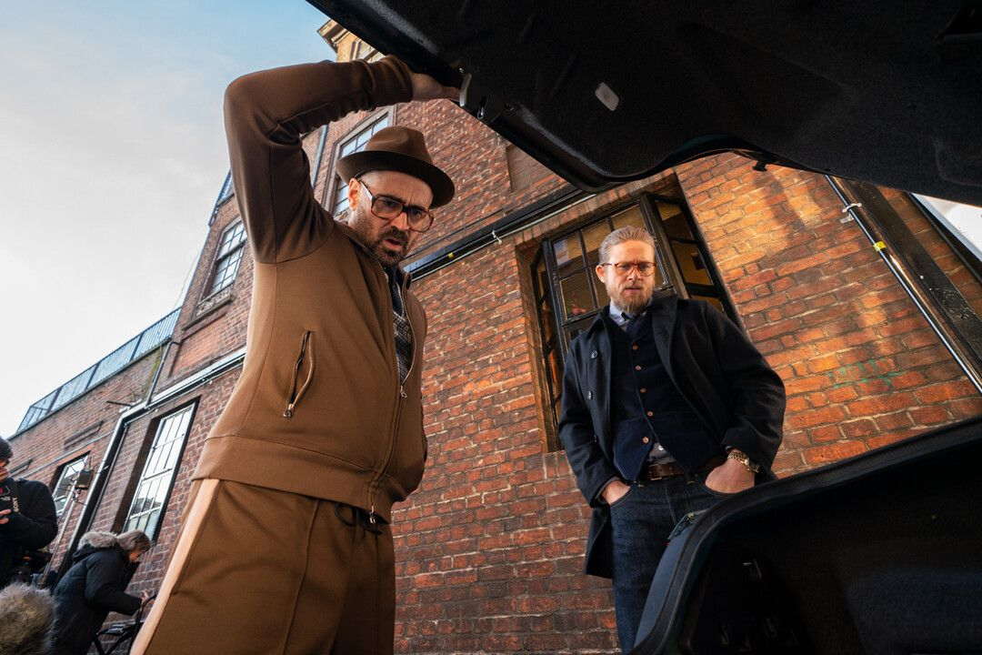 Charlie Hunnam y Colin Farrell en la película