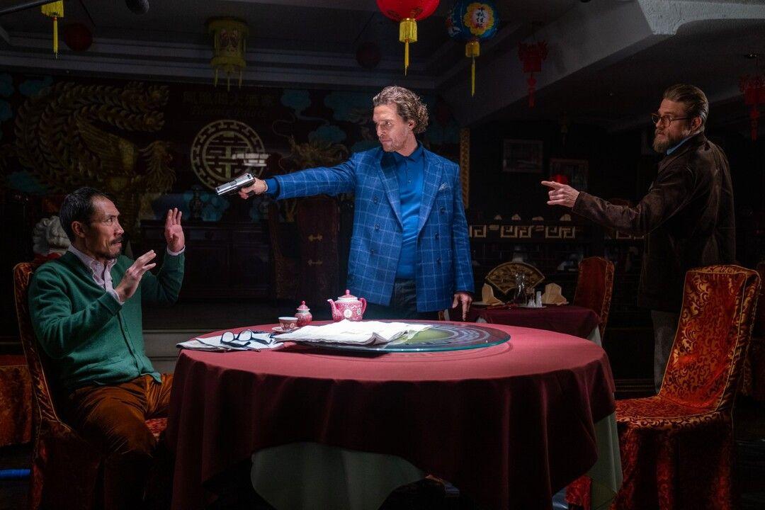 Charlie Hunnam, Matthew McConaughey y Tom Wu