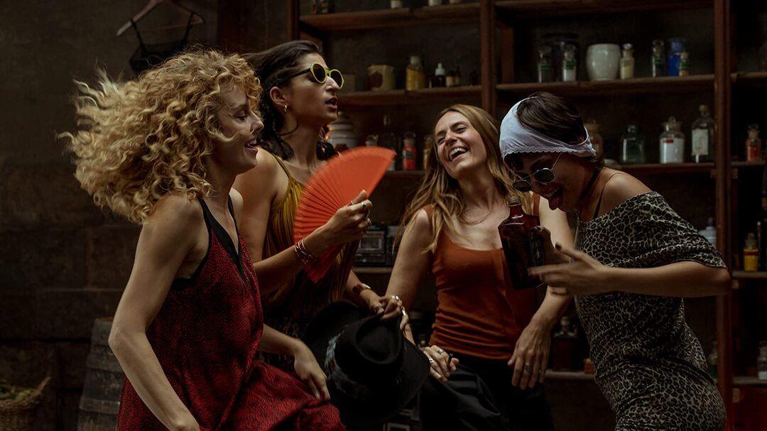 Itziar Ituño, Alba Flores, Úrsula Corberó y Esther Acebo