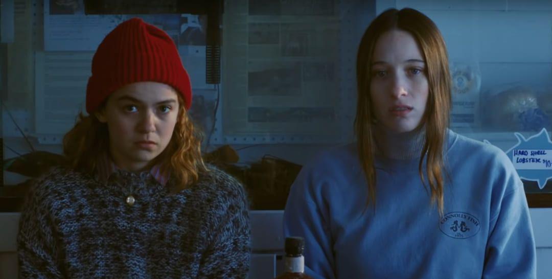 Sophie Lowe y Morgan Saylor en la película