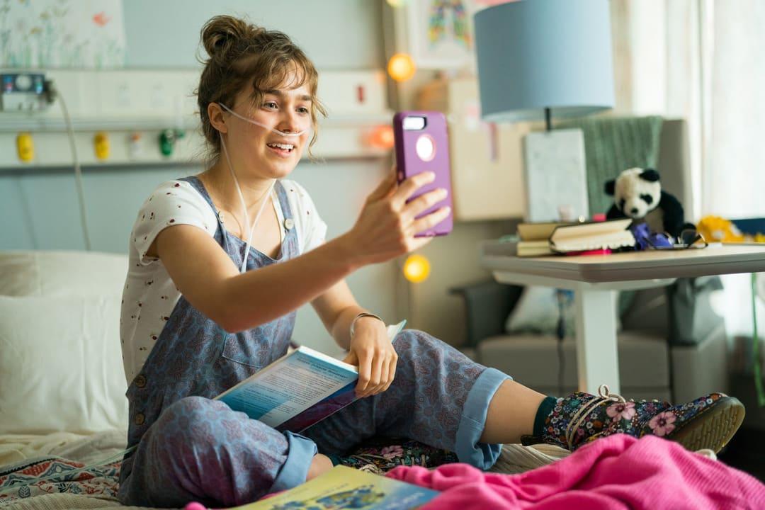 Stella Grant (Haley Lu Richardson), la prota
