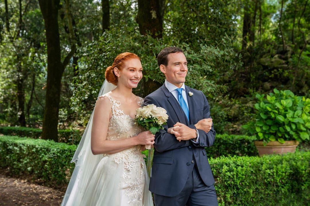 Sam Claflin y Eleanor Tomlinson en la película