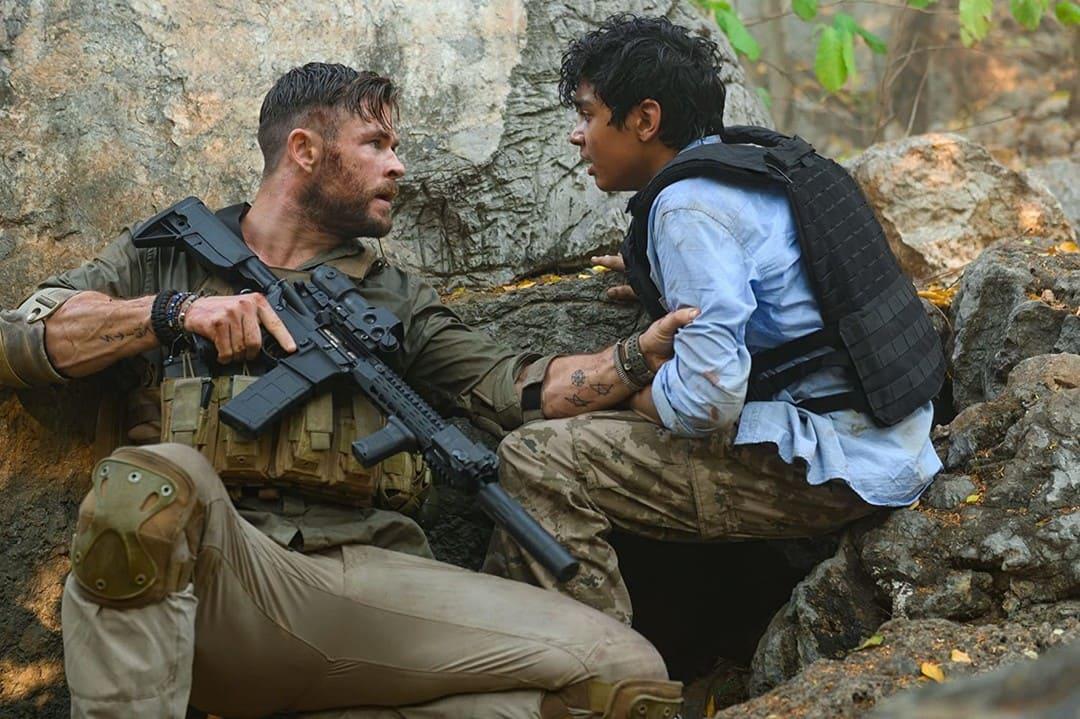 Rudhraksh Jaiswal y Chris Hemsworth