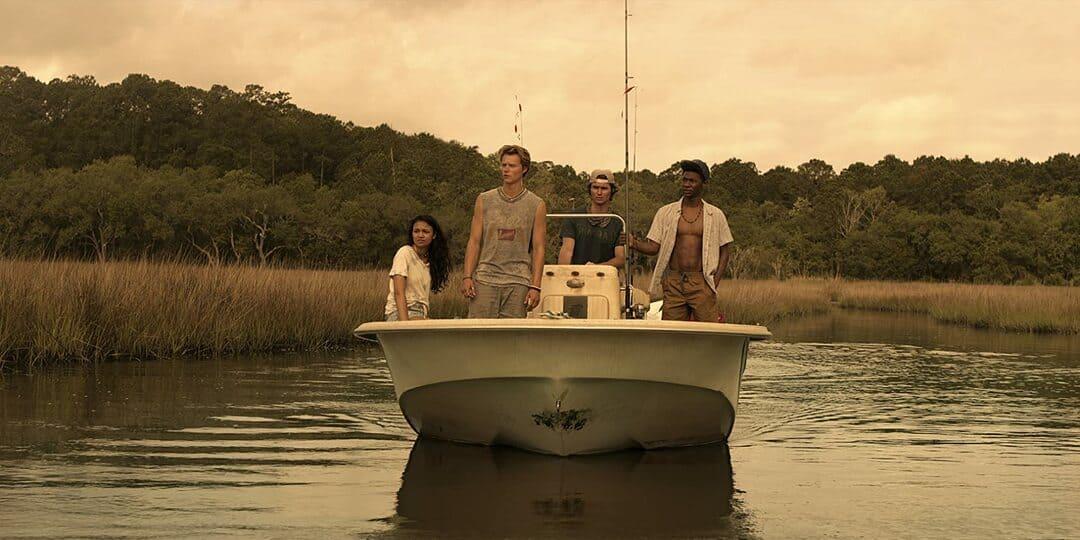 Escena de la serie Outer Banks de Netflix