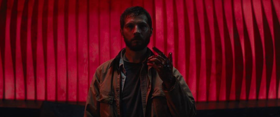 Escena de la película Upgrade (2018)