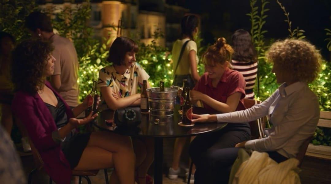 Las cuatro amigas que conoceremos en la serie Valeria