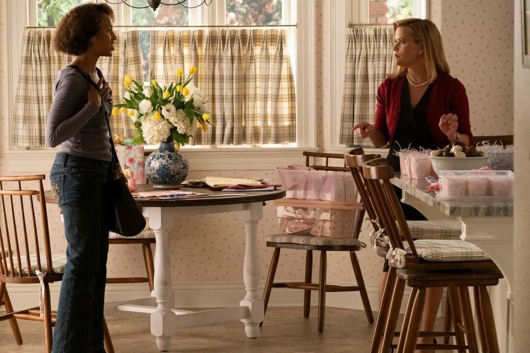 Elena Richardson (Reese Witherspoon) y Mia Warren (Kerry Washington)