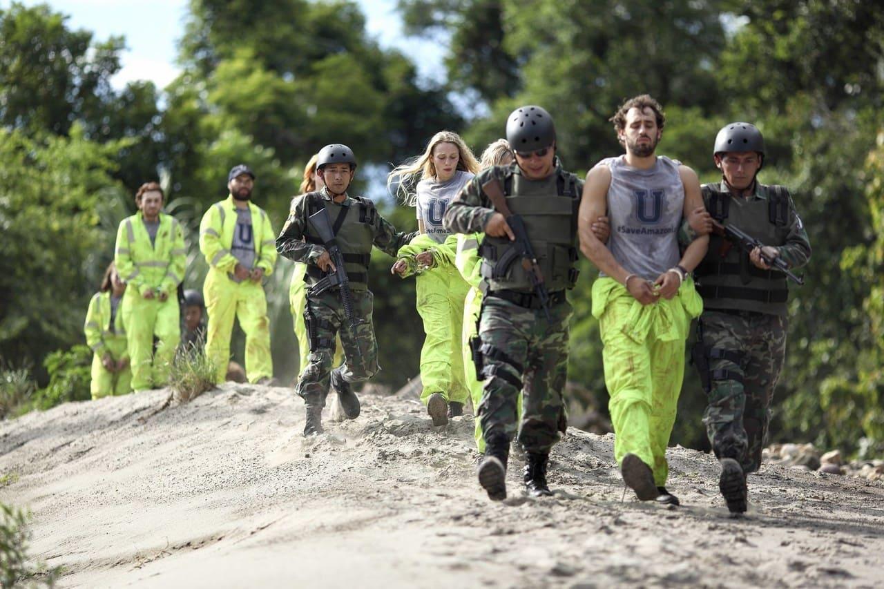 Escena de la película El infierno verde (2013)