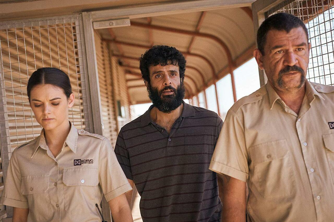 Escena de la serie Desplazados de Netflix