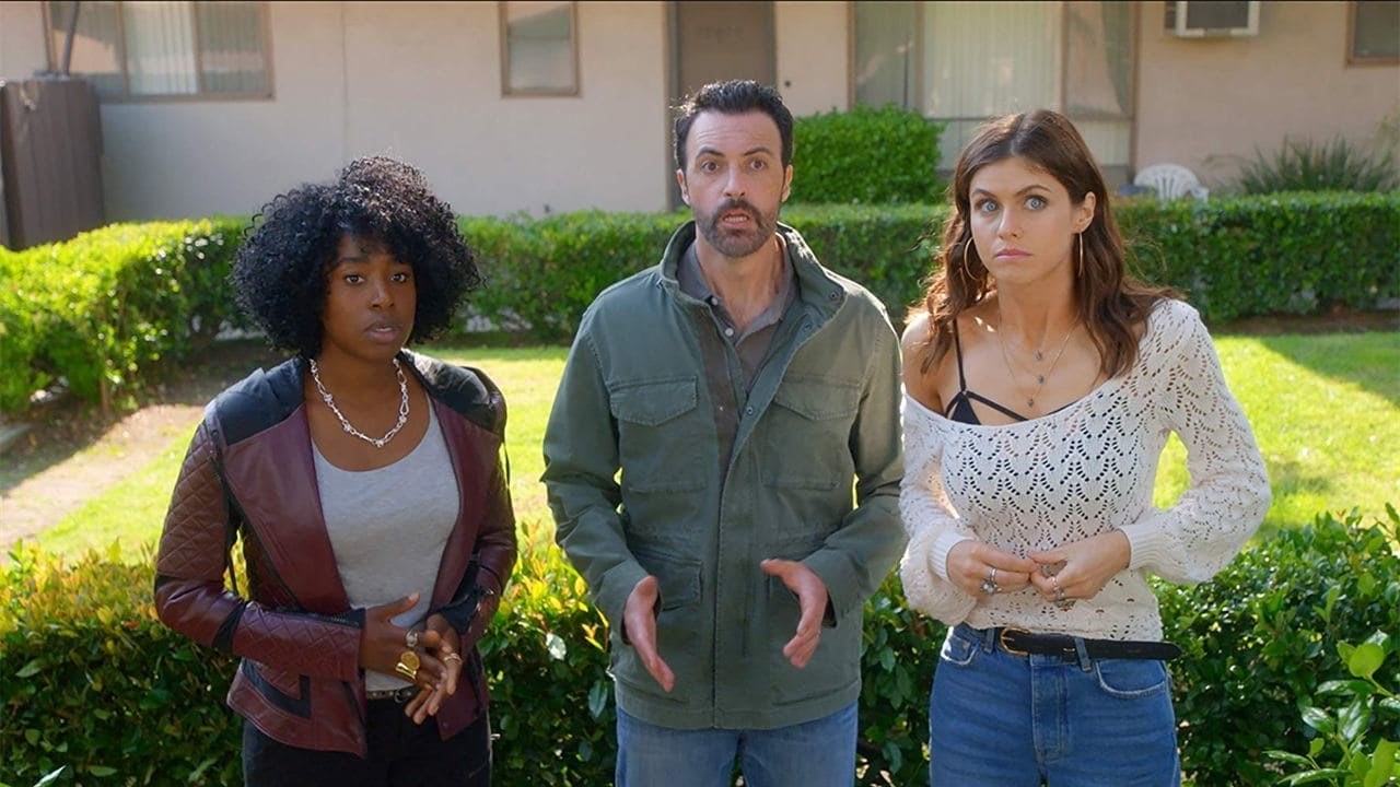 Kirby Howell-Baptiste, Reid Scott y Alexandra Daddario