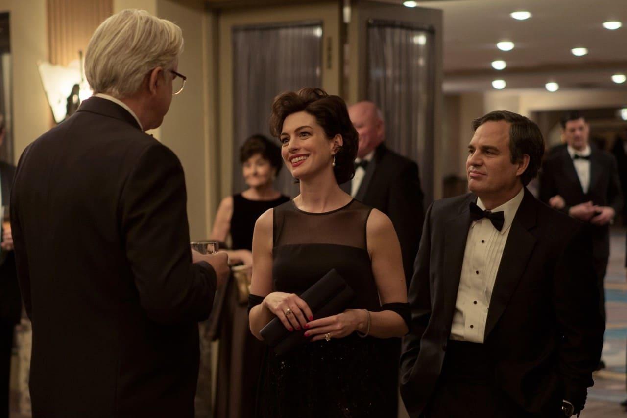 Anne Hathaway y Mark Ruffalo