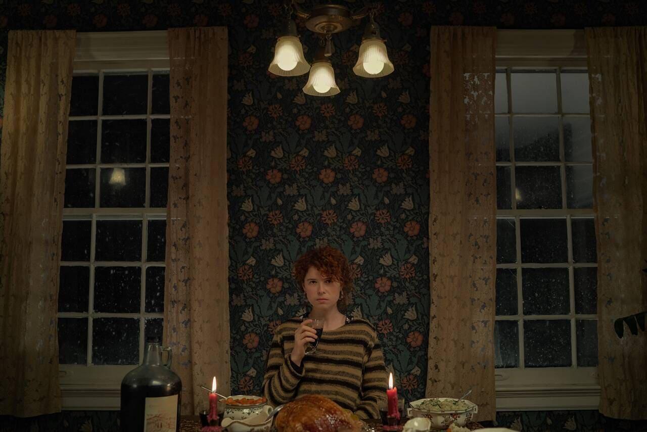Jessie Buckley en la película