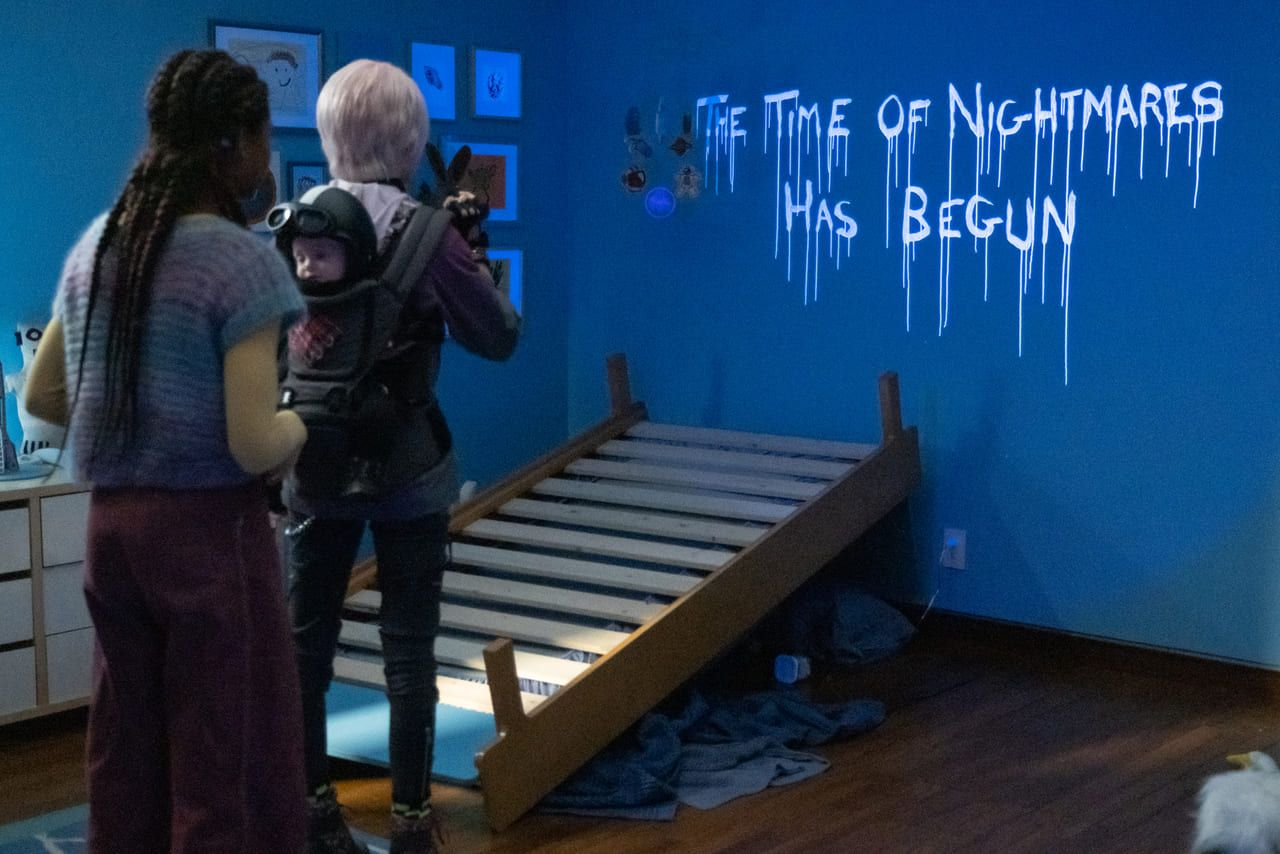 Escena de la película Consejos de una canguro para cazar monstruos de Netflix